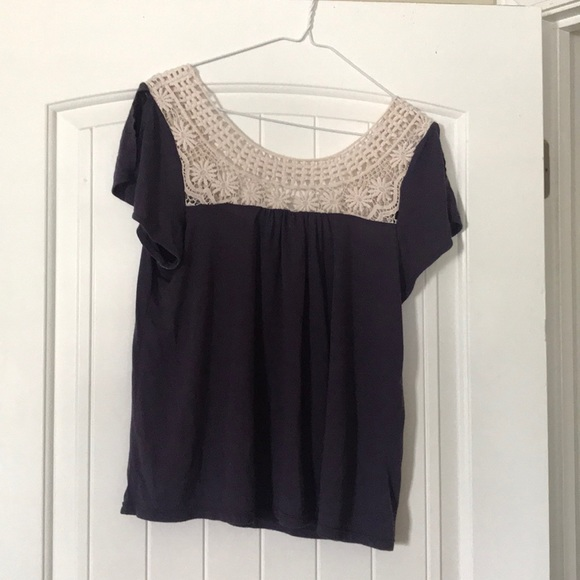 American Eagle Outfitters Tops - Flowy top
